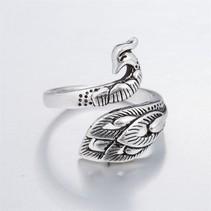 Open ring verstelbaar Pauwen zilveren kleur
