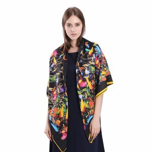 Janshop Luxe Dames Sjaal Faux Zijden Kolibrie Vogels 130x130cm
