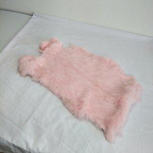 Janshop Konijnenvacht 40 x 30cm licht roze geverfd
