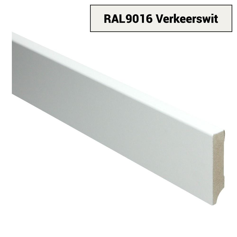 MDF Moderne plint 70x15 voorgelakt RAL 9016 Verkeerswit