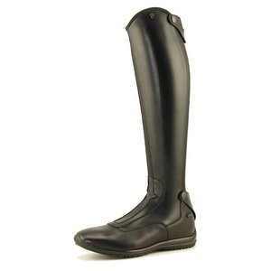 Petrie Boots Petrie Oxer in soft calf leather with a zipper at the back with a very tight throughout