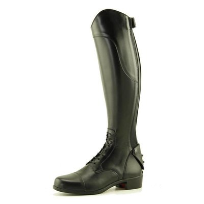 Petrie Boots Petrie Firenze is a lace-up jumping boot with a rear zipper down the calf and a protective edging