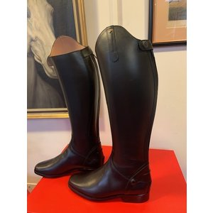 Petrie Zipper Boots (at the back) 25% discount Z002-6.5 Petrie Leeds  black rindleather with an elastic section  UK 6.5 44-37 N