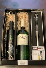 Gift set with Campo Lisio olive oil, Clos des Pins Graves Blanc and Winechill