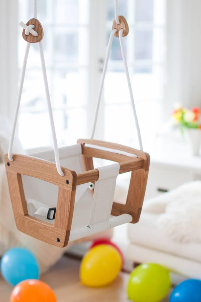 Baby Schommel Bed.Schommel Voor Baby S Van Eikenhout Van Lillagunga Klein En Stoer
