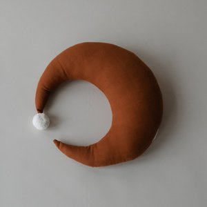 Play at Slaep Maan kussen large sugar almond