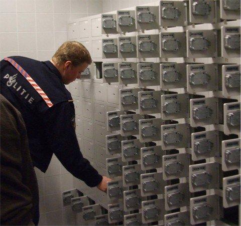 Inrichten wapenkamer bij Politie Nederland