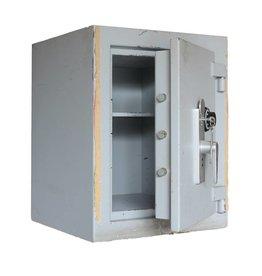 Gebruikte zware kluis met mechanisch slot en sleutelslot