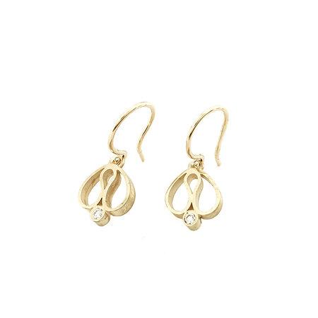 Handgemaakte oorhangers 14kt geel goud met 0.10ct briljant VSI F/G