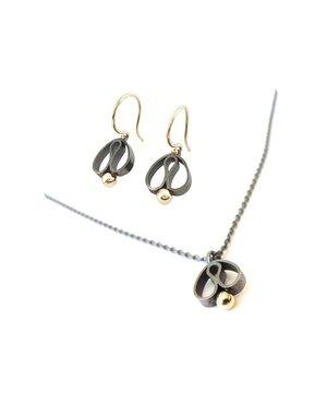 vanNienke Deal - Oorhangers zilver met goud, gecombineerd met een zilveren collier