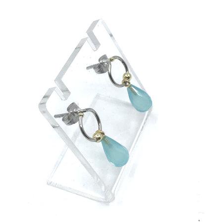 vanNienke GSE Oorstekers met chalcedoon seablue hangers