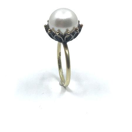vanNienke Gouden ring  met grote cultive parel
