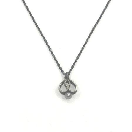 vanNienke Tulp collier groot, zwart zilver, parel