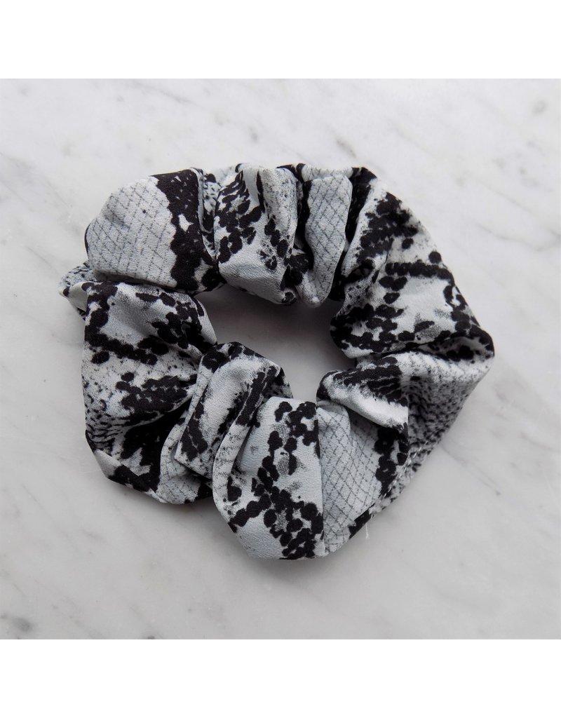 Scrunchie - Grey snake