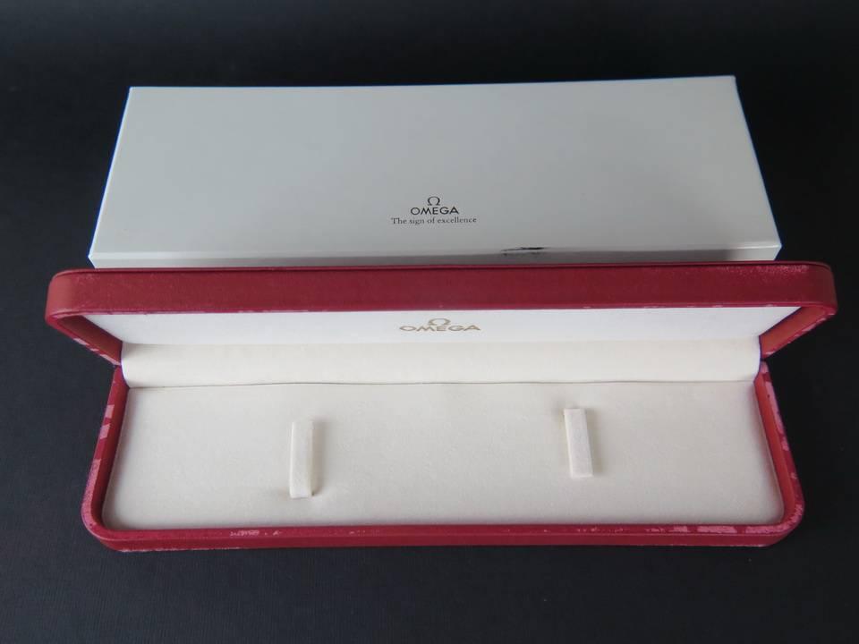 Omega Omega Box
