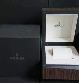 Corum Box