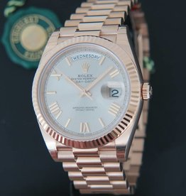 Rolex  Day-Date Everose Sundust Roman Dial  228235 NEW