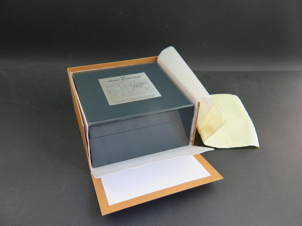 Girard Perregaux Girard-Perregaux WW.TC Box