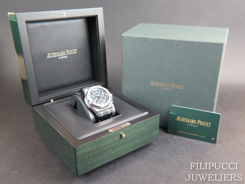 Audemars Piguet Audemars Piguet Royal Oak Offshore Black Dial Blue Chronograph 26470ST.OO.A028CR.01