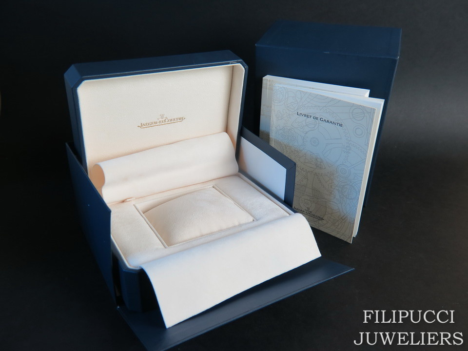 Jaeger-LeCoultre Jaeger-LeCoultre Box and booklets