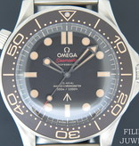 Omega Omega Seamaster Diver 300M 007 Edition NEW 210.90.42.20.01.001