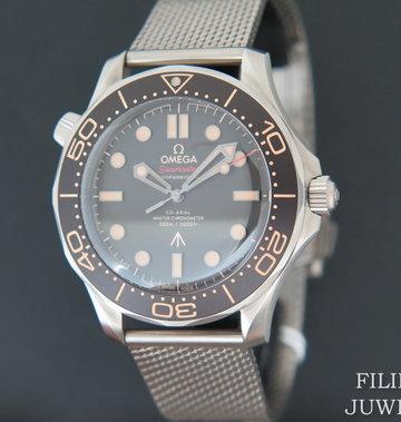 Omega Seamaster Diver 300M 007 Edition NEW 210.90.42.20.01.001