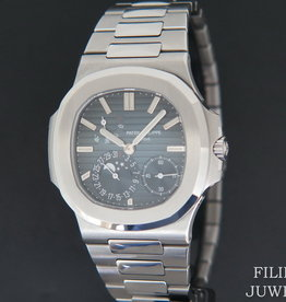 Patek Philippe Nautilus 5712/1A