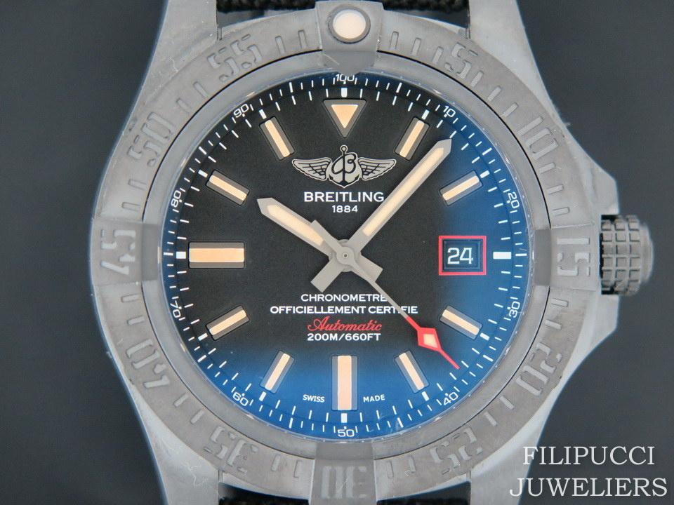 Breitling Breitling Avenger Blackbird 44 V17311101B1W1