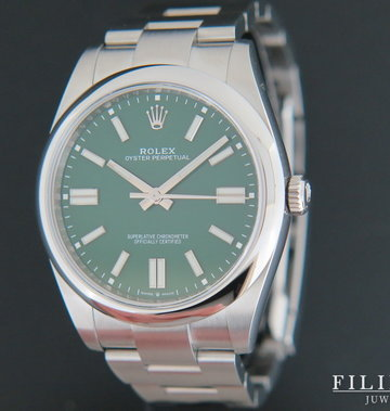 Rolex  Oyster Perpetual 41 Green Dial 124300 NEW MODEL