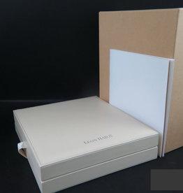 Leon Hatot Box