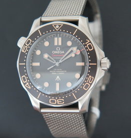 Omega Seamaster Diver 300M 007 Edition NEW 210.90.42.20.01.001