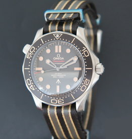 Omega Seamaster Diver 300M 007 Edition NEW 210.92.42.20.01.001