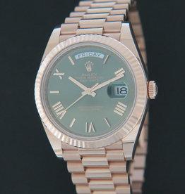 Rolex  Day-Date Everose Green Roman Dial 228235 NEW