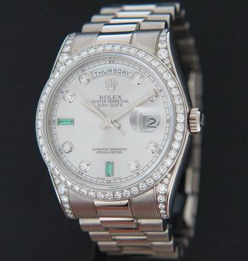 Rolex  Day-Date White Gold Silver Diamond Emerald Dial 118389