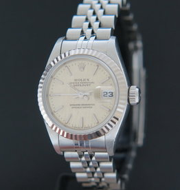 Rolex  Datejust Lady 69174  Silver Linnen Dial