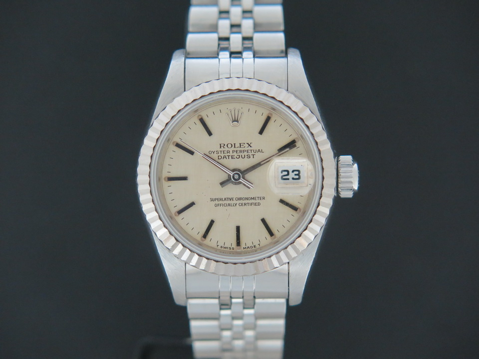 Rolex  Rolex Datejust Lady 69174  Silver Linen Dial