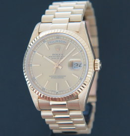 Rolex  Day-Date Yellow Gold Champagne Dial 18238 Full Set