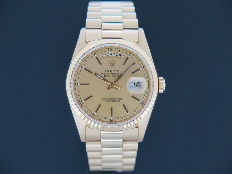 Rolex  Rolex Day-Date Yellow Gold Champagne Dial 18238 Full Set