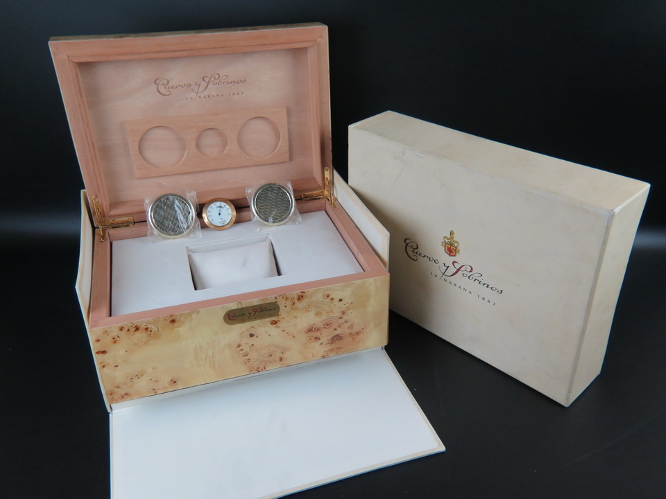 Cuervo y Sobrinos Cuervo y Sobrinos Box Humidor set