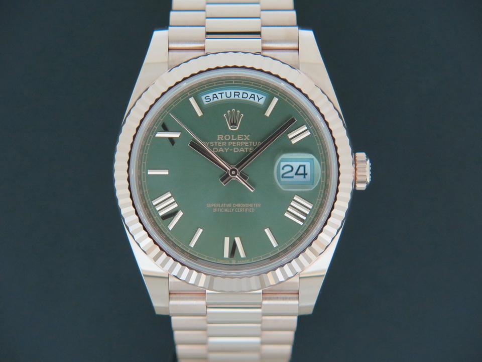 Rolex  Rolex Day-Date 40 Everose Green Roman Dial 228235