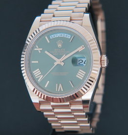 Rolex  Day-Date 40 Everose Green Roman Dial 228235