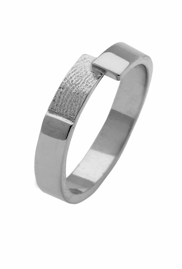Ring with stroke 4 mm. incl. fingerprint