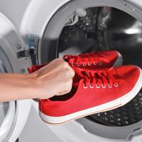 Schoenen in de wasmachine, goed idee?