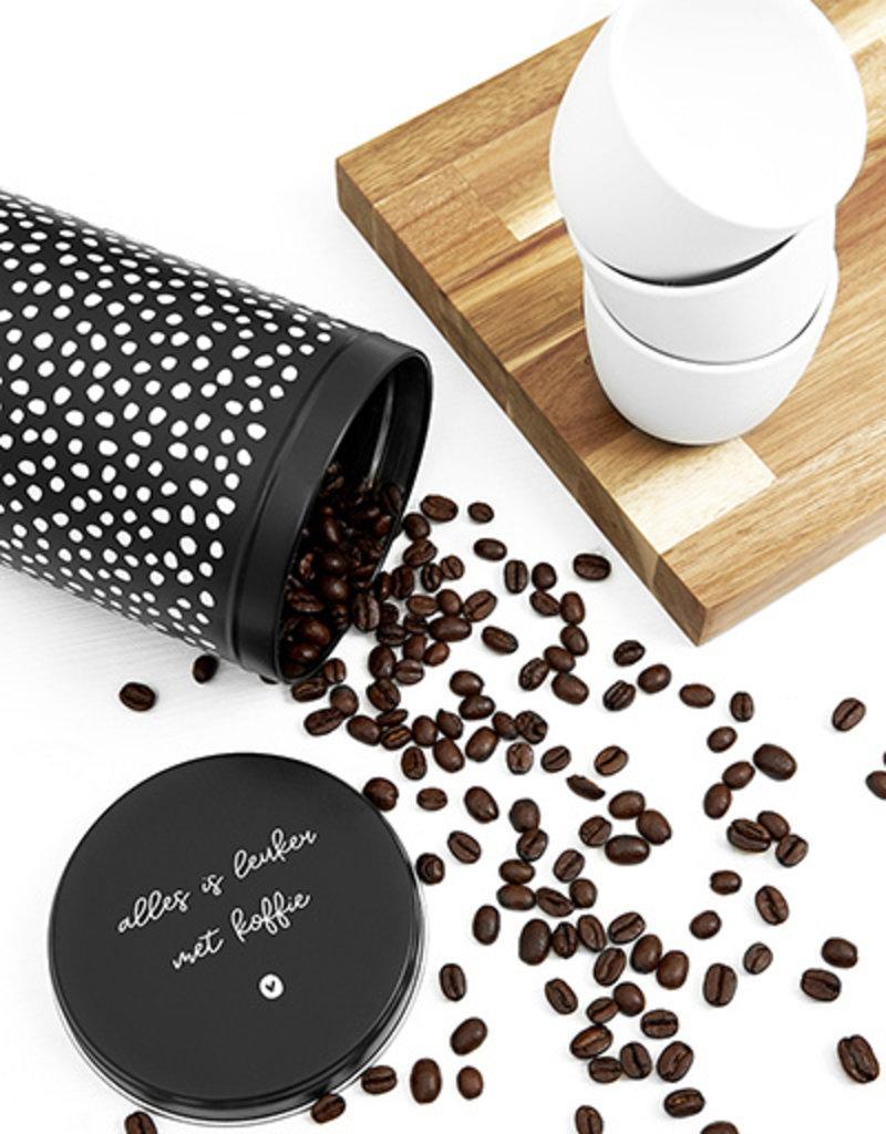 Zoedt Koffieblik zwart wit met tekst 'Alles is leuker met koffie'