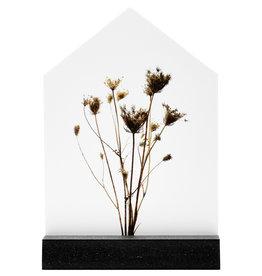 Zoedt Huisje met droogbloemen