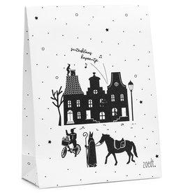 Zoedt Sinterklaas cadeauzakje wit met zwart patroon Sint tafereeltje