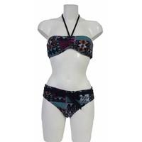 Bandeau-Bikini mit orientalischem Motiv