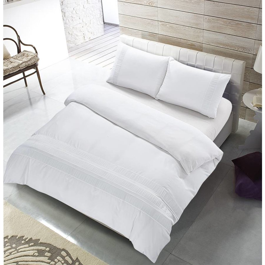 The Supreme Home Collection Avenza 240x200/220 +2*60x70 cm White