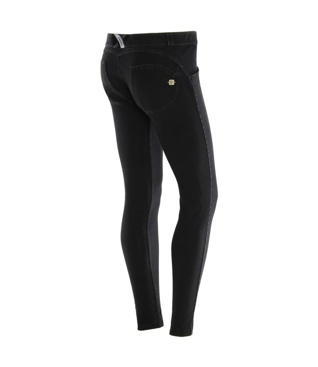 WR.UP® WR.UP® LOW RISE IN DARK STRETCH DENIM, BLACK