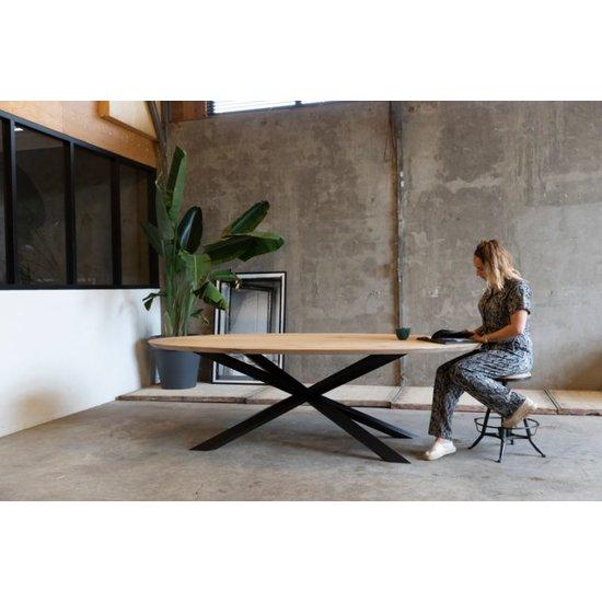 Ovale tafel 'Spriet'